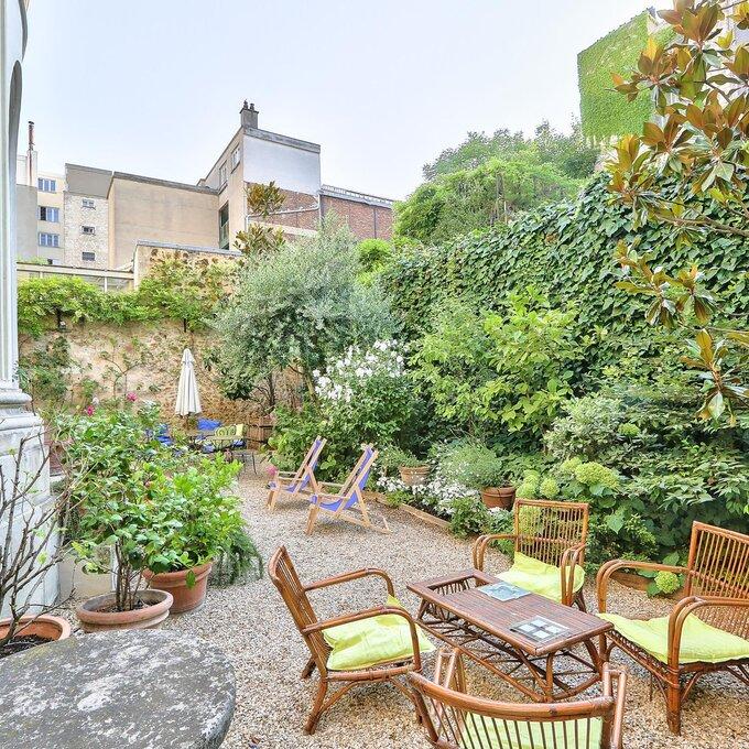 Dans l'appartement avec jardin d'Elisabeth
