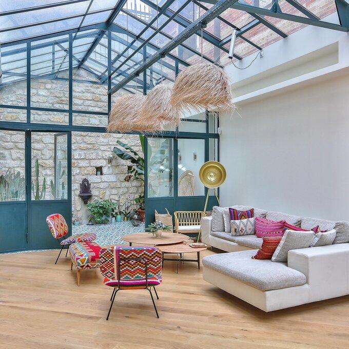 Pool party dans la maison d'architecte de Valérie