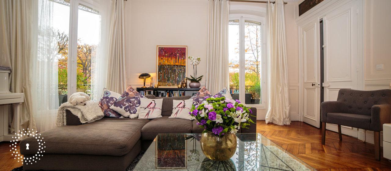 dans l 39 appartement de martine image num ro 32194. Black Bedroom Furniture Sets. Home Design Ideas
