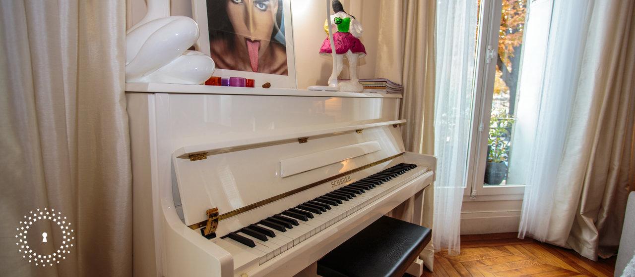 dans l 39 appartement de martine image num ro 39385. Black Bedroom Furniture Sets. Home Design Ideas
